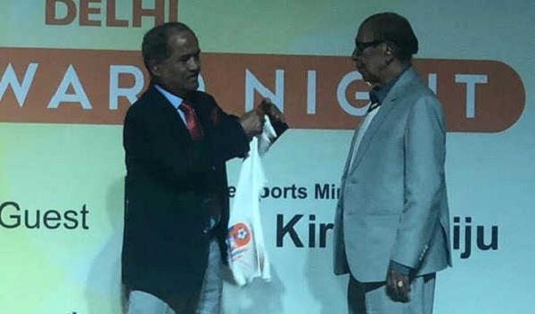 lifetime achievement award to senior football administrator bhatia