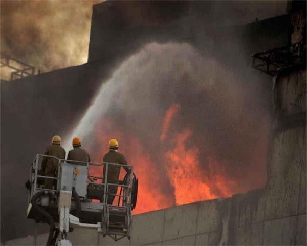 fire breaks out in four storey building in west delhi