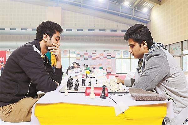 devshish  deepawali and nilesh shared on the joint lead