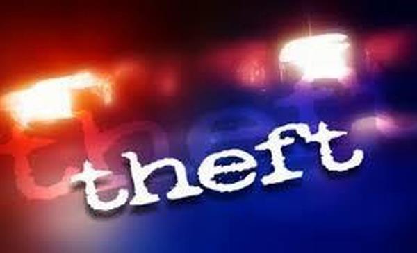 jewelery stolen by breaking the car  s glass