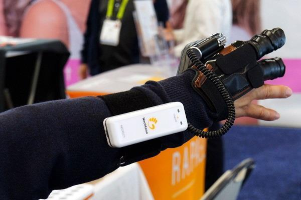 robotic glove is nearly ready to help those with hand paralysis