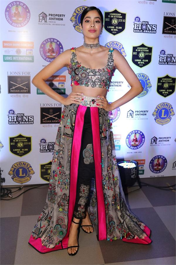 bollywood stars glam up lions gold awards 2019