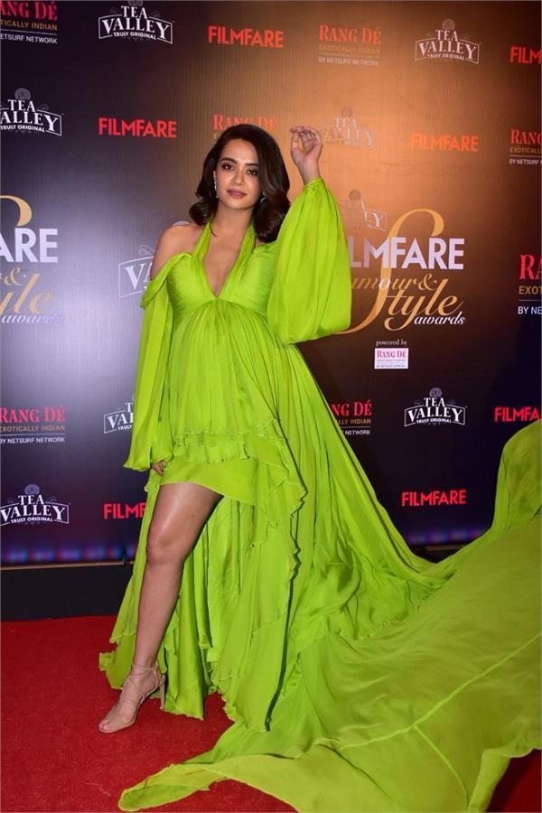 Filmfare Glamour and Style Awards: ਸੁਰਵੀਨ ਨੇ ਫਲਾਂਟ ਕੀਤਾ 'ਬੇਬੀ ਬੰਪ'