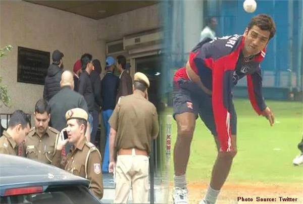 attack on former indian fast bowler bhandari admitted to the hospital
