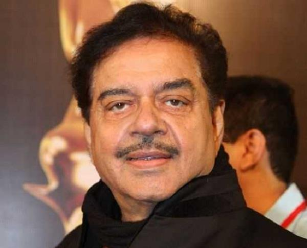shatrughan sinha signals to leave bjp
