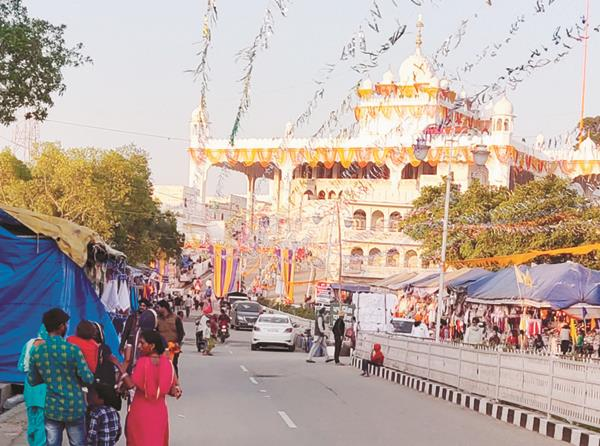 the arrival of sangat on the holy city of guru gagli started