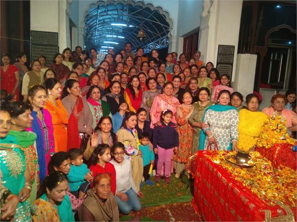 ladies satsang sabha  holi program