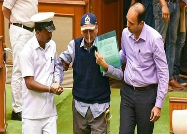 national mourning announcement on monday at the death of manohar parrikar