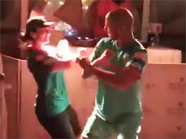 dhawan celebrates the victory of delhi with his wife video