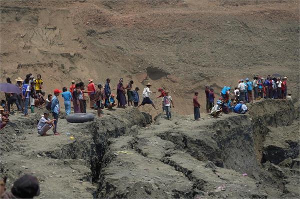 myanmar lawmaker  50 believed dead in mudslide at jade mine