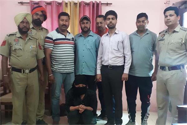 west bengal smuggler arrested counter intelligence