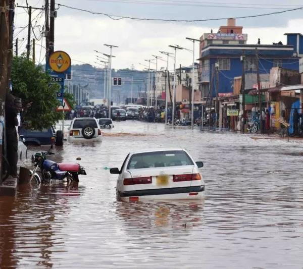 18 killed in uganda after heavy rains  flooding