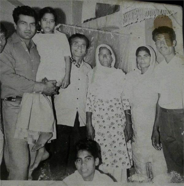 dharmendra helped a family to go for hajj