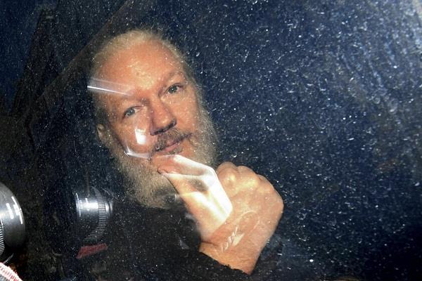 us julian assange