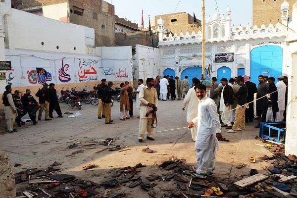 pakistan blast in mosque
