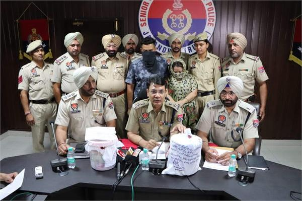 lady arrest with rs 5 crores heroin