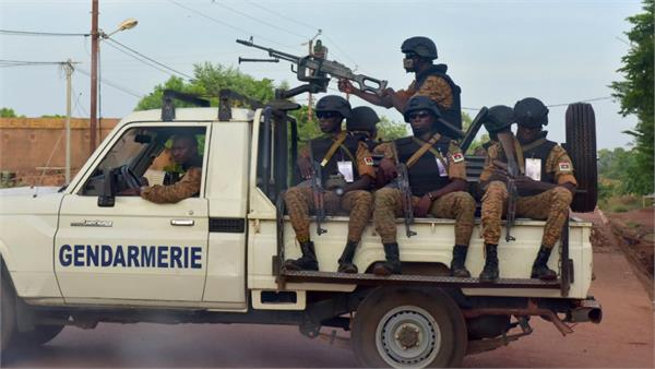 jihadists kill 17 civilians burkina faso