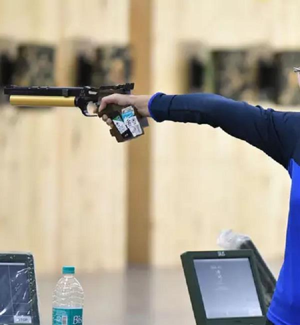 harvin sara won gold in a 10 meter air pistol