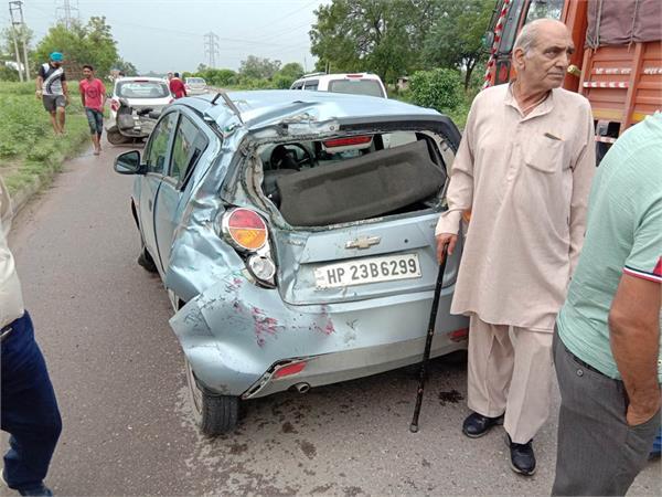 two dozen people were injured in road accidents in half a dozen vehicles