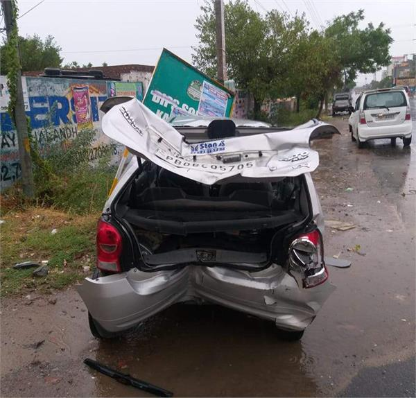 in the nangal shamha chowk  there were terrible collisions in two cars