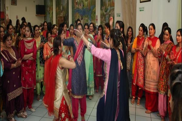 italy gidha punjabi girls