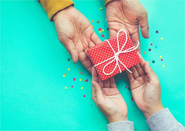 no gifts allowed at b luru delhi customs