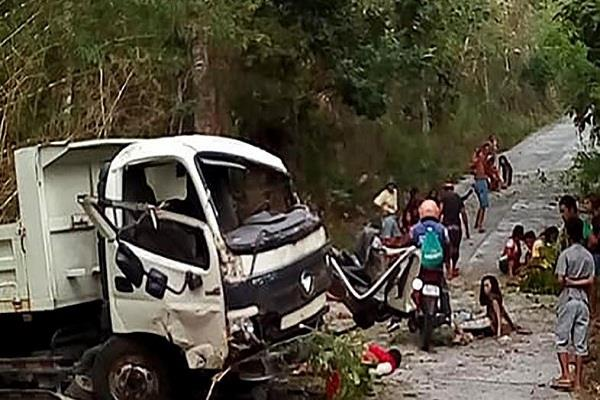 philippine  truck overturned