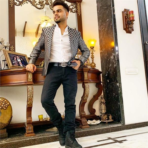 priti sapru directorial debut with singer akhil debut in acting