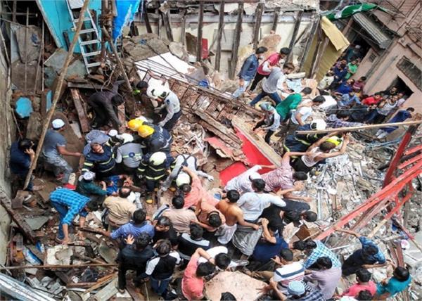 mumbai a four storey building has collapsed