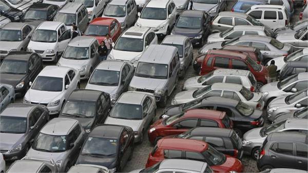 passenger vehicles sales