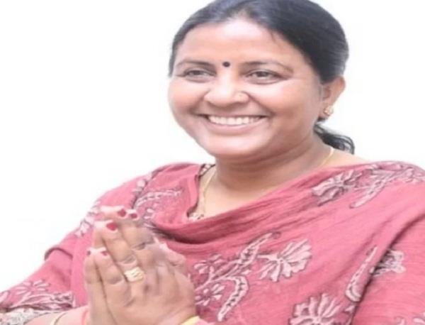 bjp women wing chief indu goswami resigns