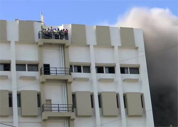 mumbai building fire mtnl