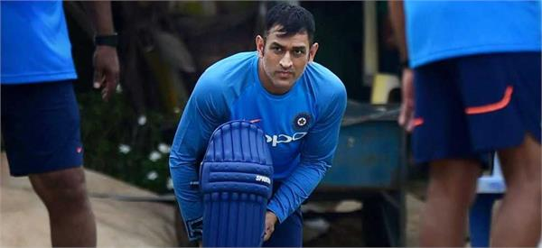 no plans to retire dhoni arun pandey