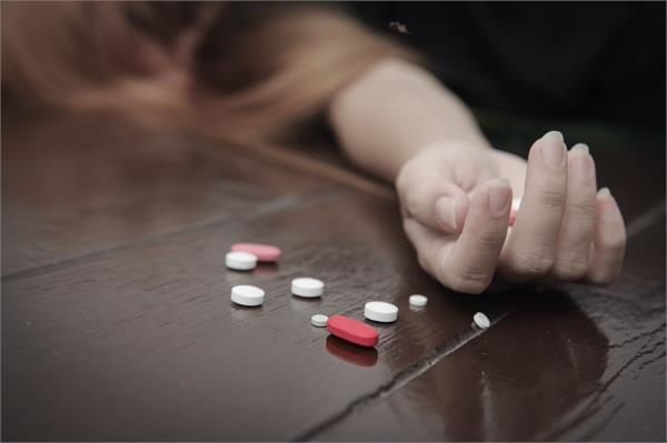 girl dies by the wrong medicine in mental distress