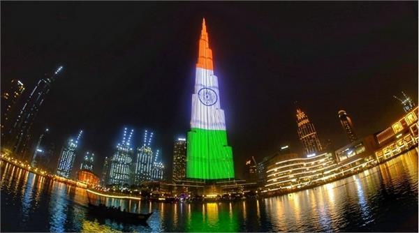 dubai paints world  s tallest building in indian flag