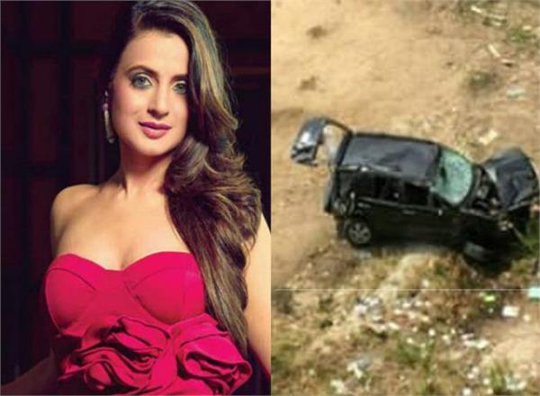 ameesha patel assures fans she  s fine after rumours of an accident