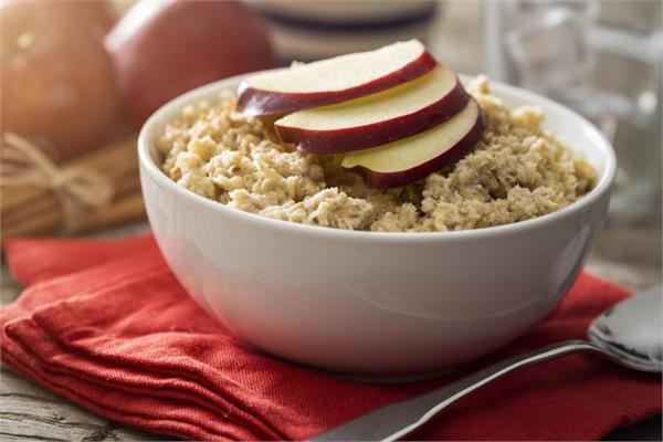 eat apples and oats in breakfast