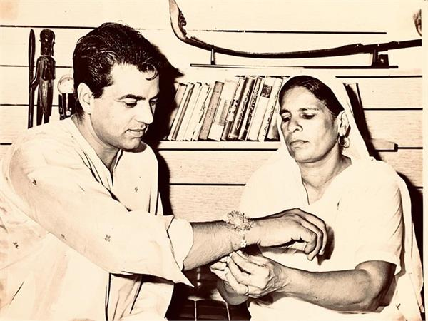 dharmendra deol share his sister picture on raakhi struggling time
