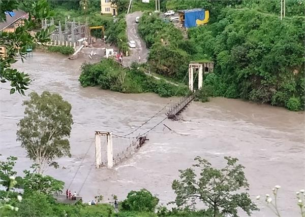 shimla in collapsed footbridge