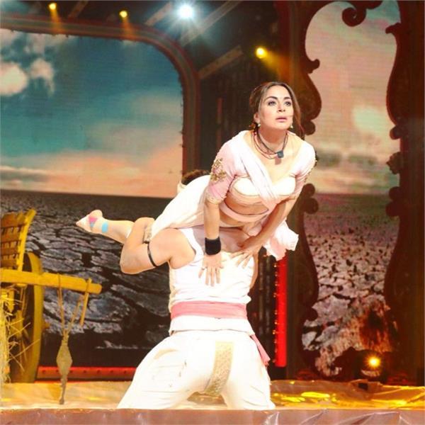 nach baliye 9 s shraddha arya gets injured while performing