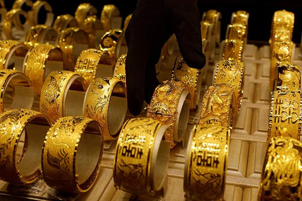 gold strengthened by rs 90  silver
