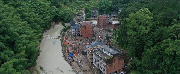 at least 201 killed in july august china flooding