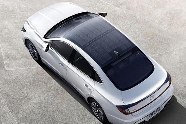 hyundai launched sonata hybrid car with solar panel roof