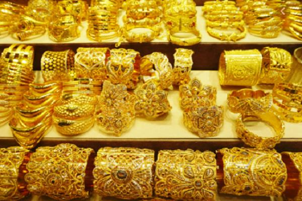 gold broke rs 100  silver touched rs 955