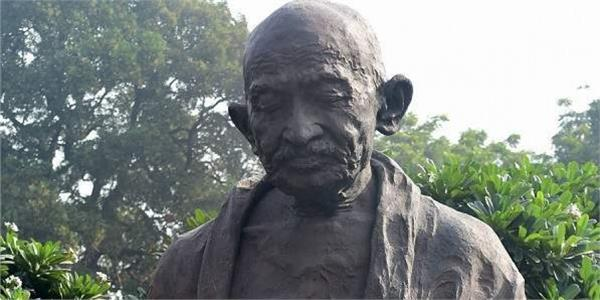 new statue of mahatma gandhi to be unveiled in london  s manchester