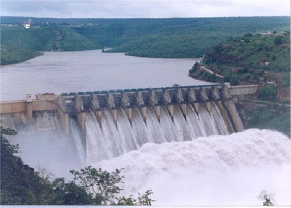bhakra dam water level down