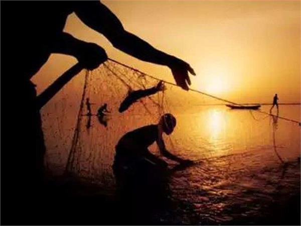 sri lankan army arrests 7 fishermen in tamil nadu