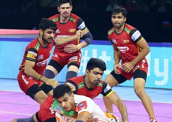 pro kabaddi league  puneri defeated bangalore 31 23