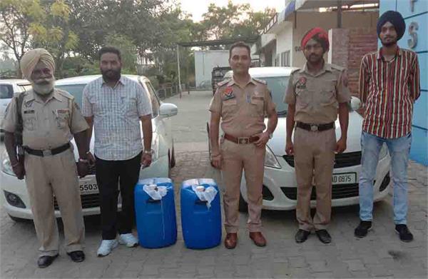 haryana brand liquor recovered from 2 cars