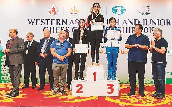 sakshi of india wins western asia junior chess title